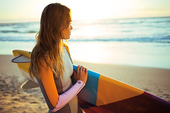 Exclusive-First-Look-Cynthia-Rowley-Latest-Collection-Roxy-Wetsuits-Never-Looked-So-Cool.jpg