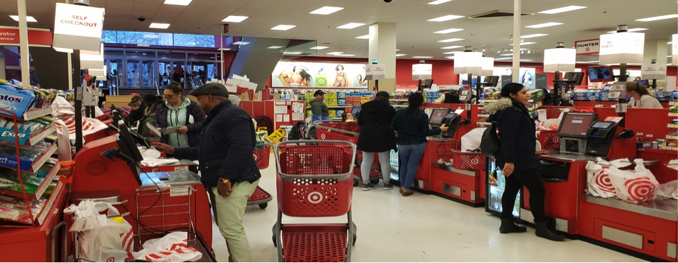 A wide-angle view of the self-checkout station, showing that no team members were helping customers at the moment. Photo by Perla Tolentino.
