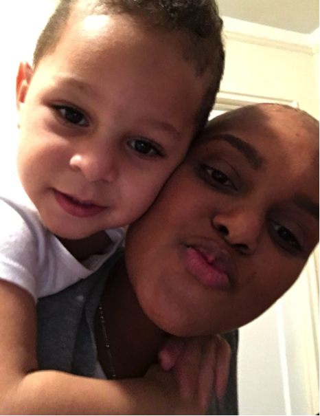 Elvia Reyes with her son when she started chemotherapy. Photo courtesy of Elvia Reyes.