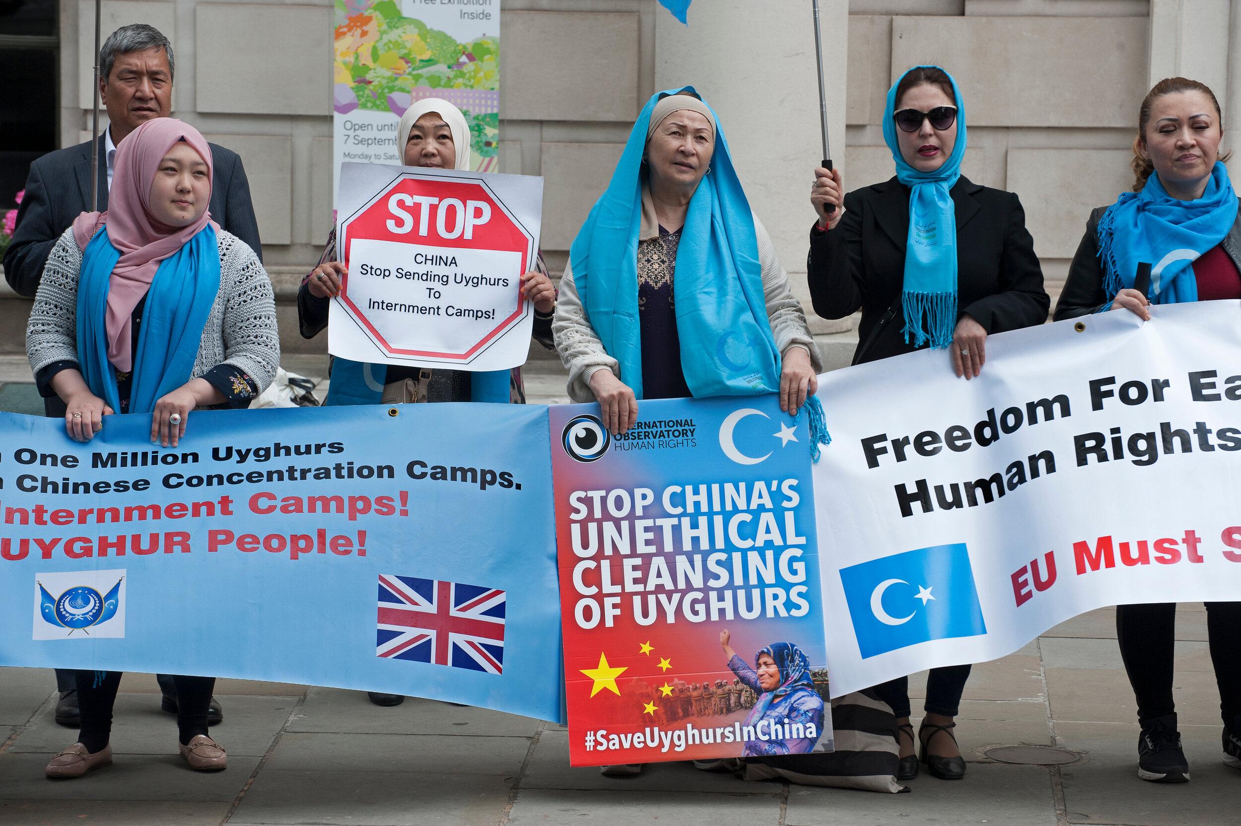 Britanski parlament : Kina + Ujguri = genocid Shutterstock_1412946305
