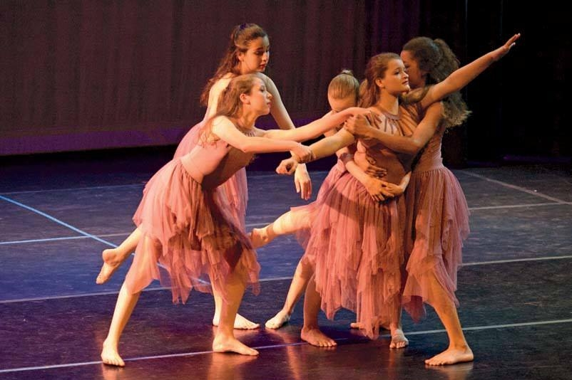 Raising the Barre - January-February 2016A Cambridge arts organization is poised to grow.