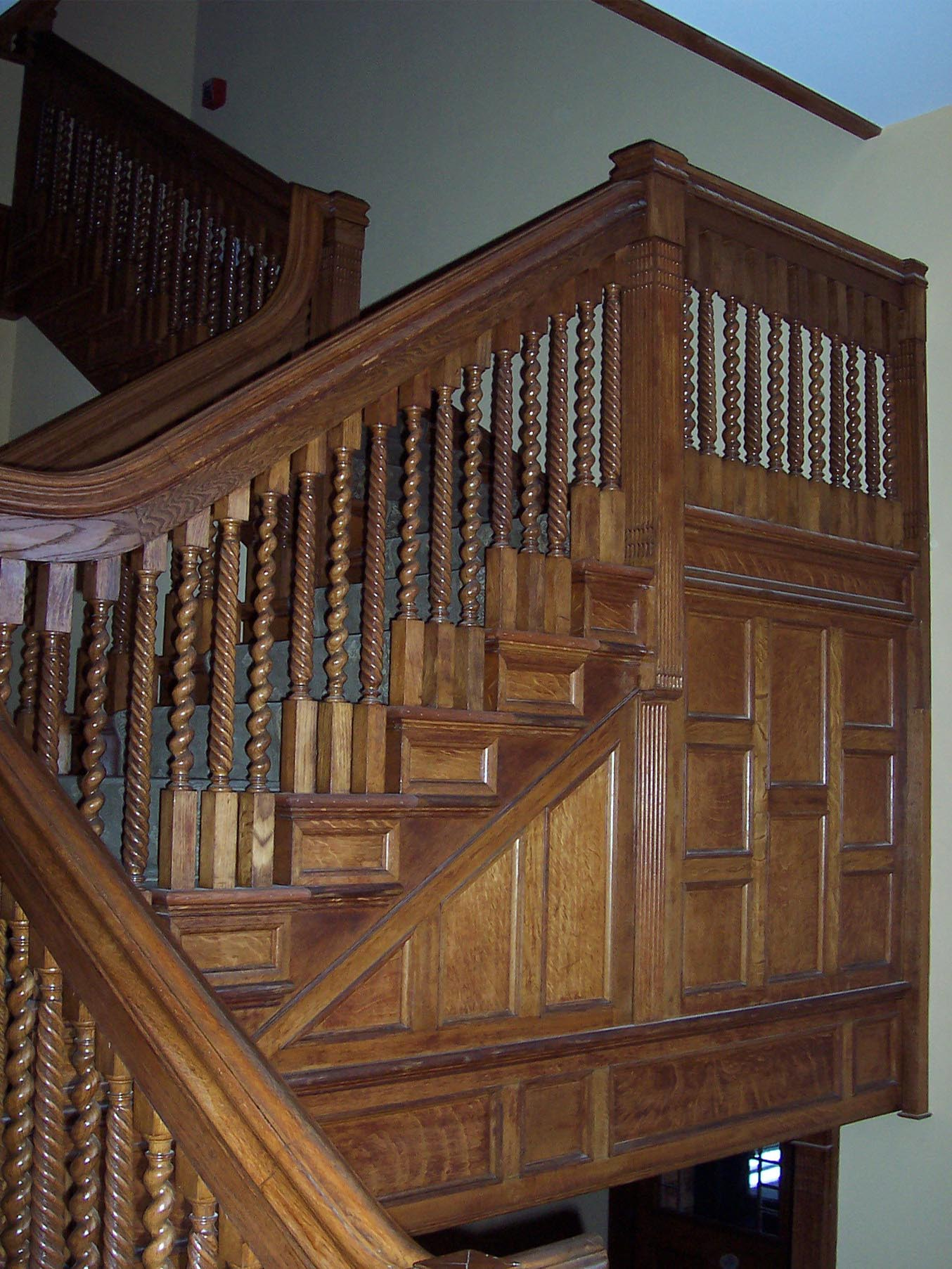 Stair woodwork int pic.jpg