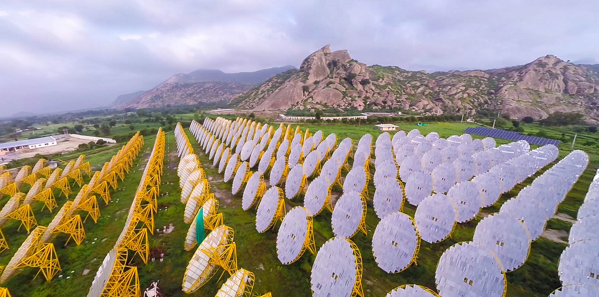 India One, a one megawatt solar thermal power plant in Rajasthan, India. Photo by  Brahma Kumaris .