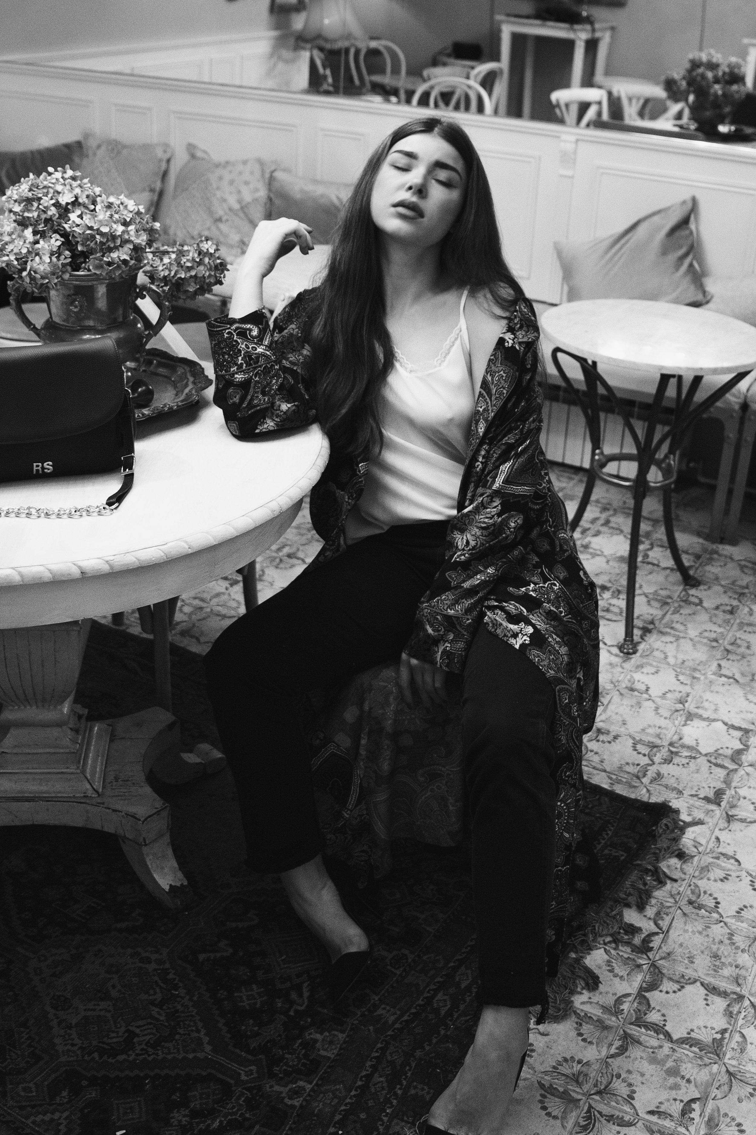fashion-editorial-robert-sever-caffe-bar-finjak-expensive-reality-fashion-photography (9).jpg