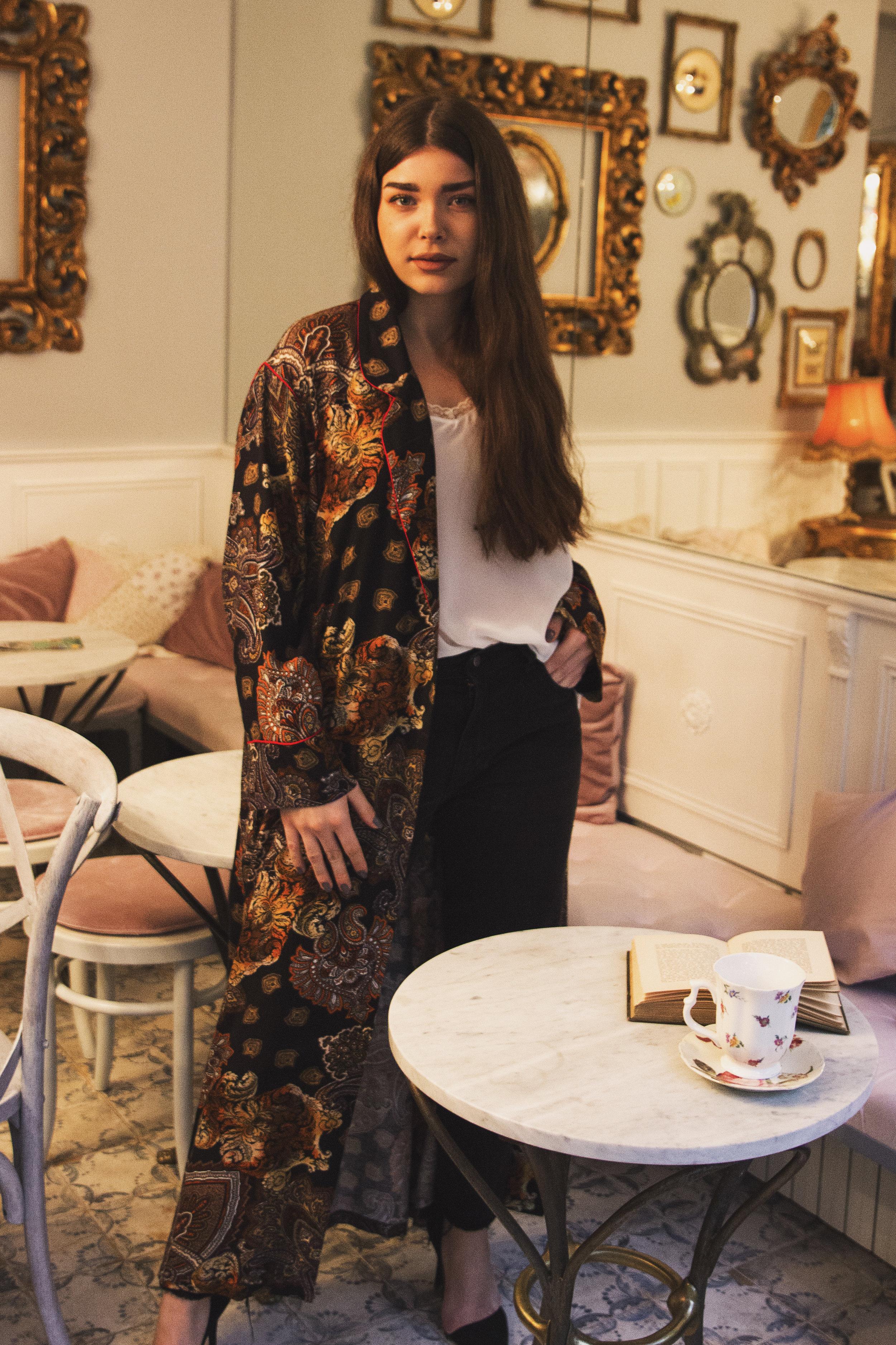 fashion-editorial-robert-sever-caffe-bar-finjak-expensive-reality-fashion-photography (5).jpg