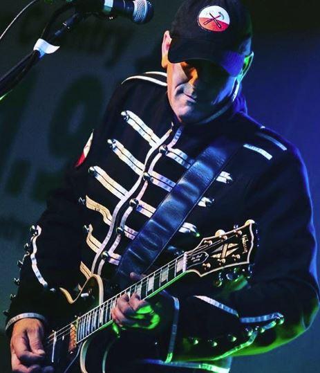 Ken Freeland: Lead guitar, vocals