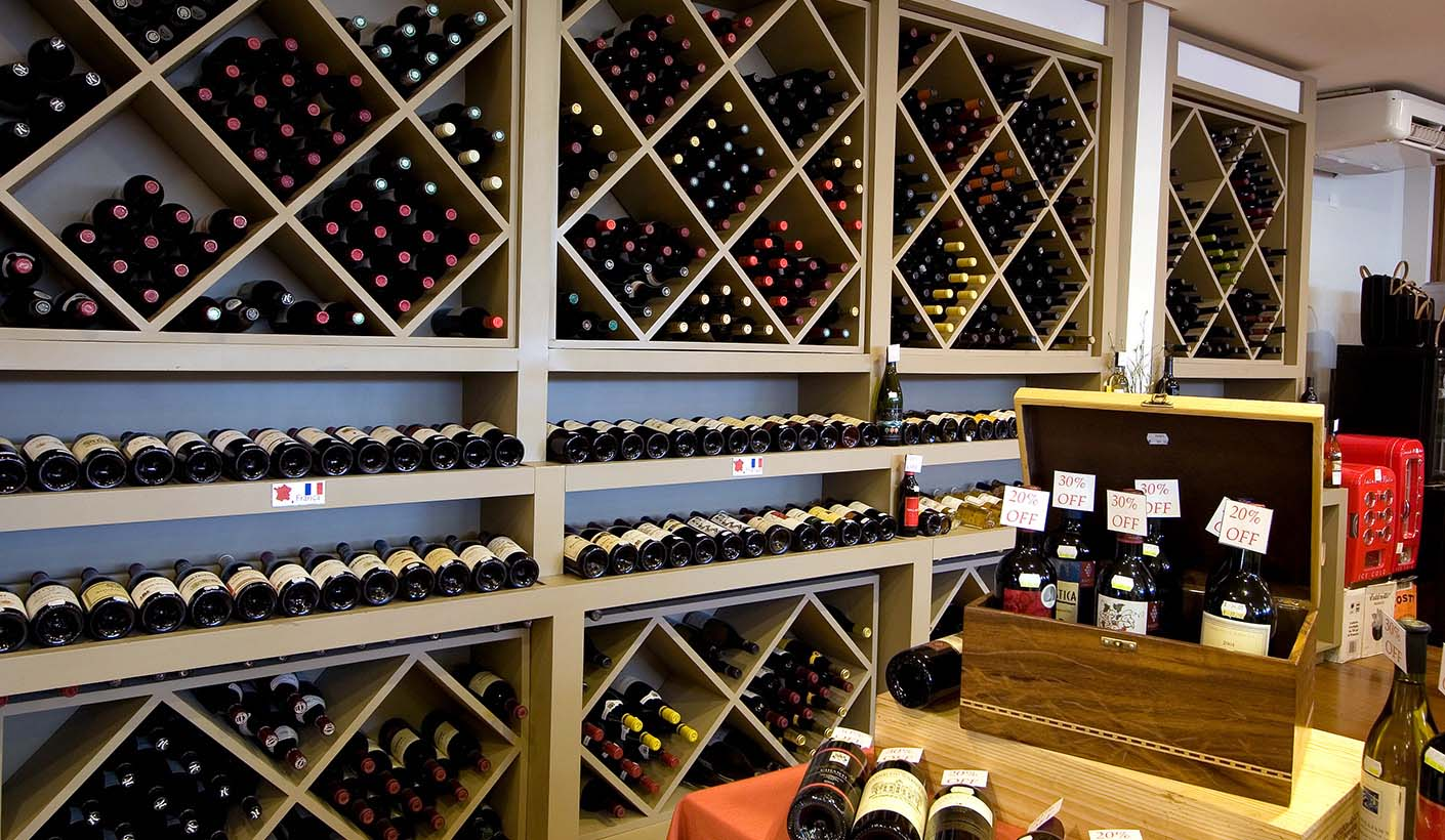 JulianaFabrizzi_baccos-vinhos-salao3.jpg