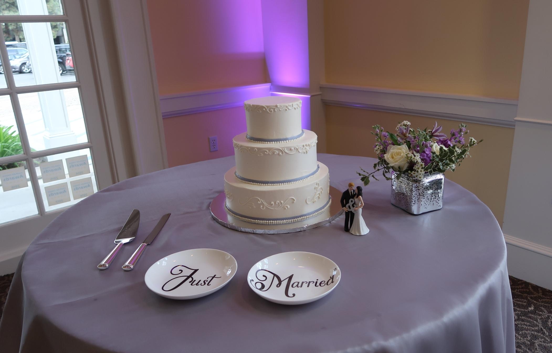 Up-lighting and cake