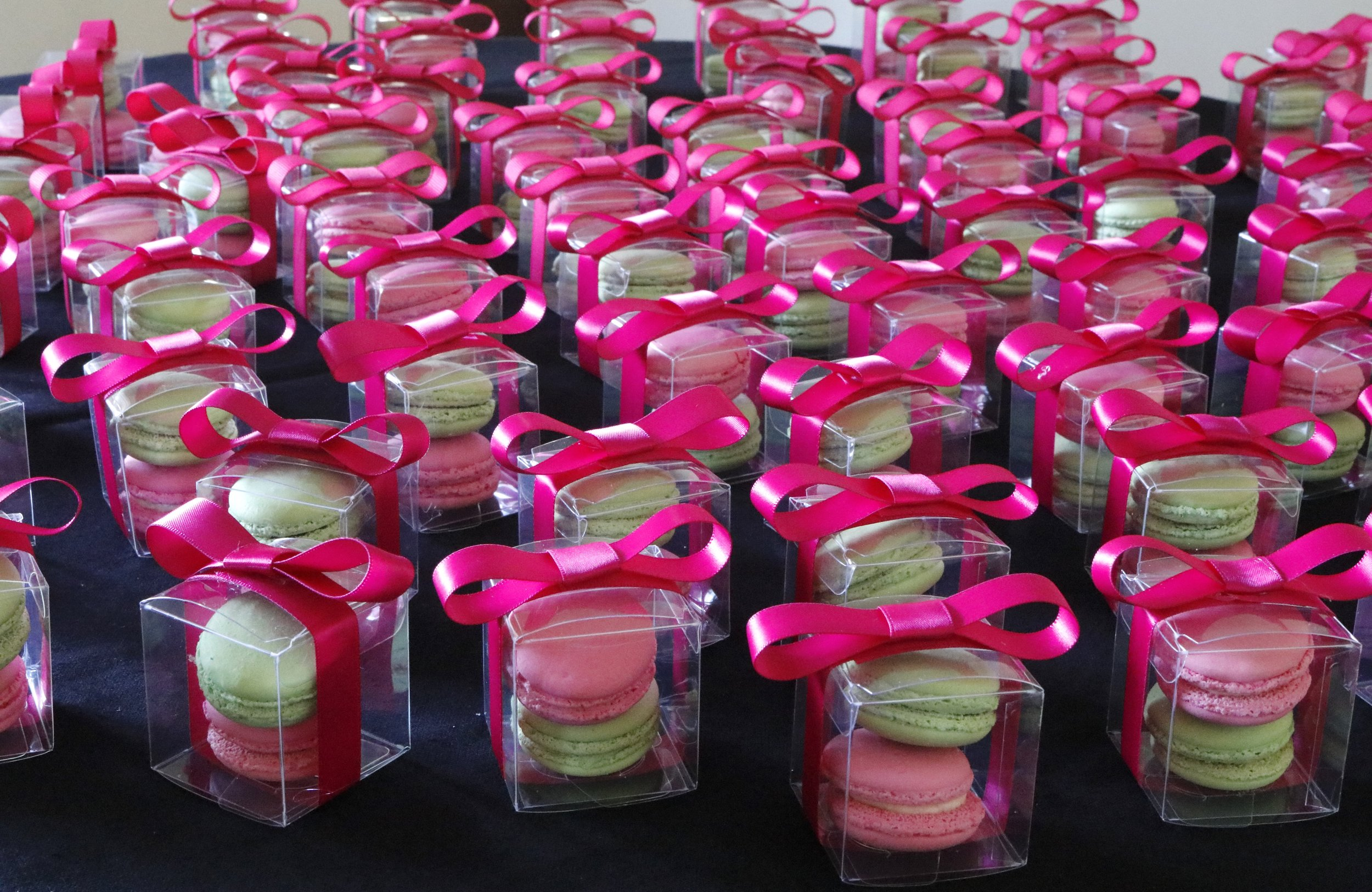 Macarons as favors in New York - Chef Ione Cavalli.JPG