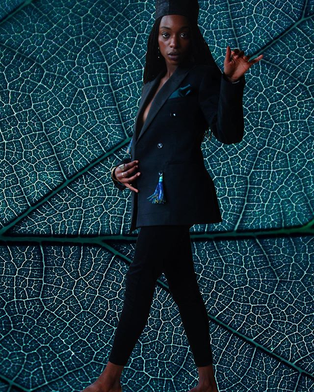 |||◾️Our love for the blazer is unconditional.  Email & DM us for infos and pre-oders.  Photography • Tara Koffi Model • Fatou Alhya Diagne  #Fekhanti #FekhantiFabrics #FekhantiPompons