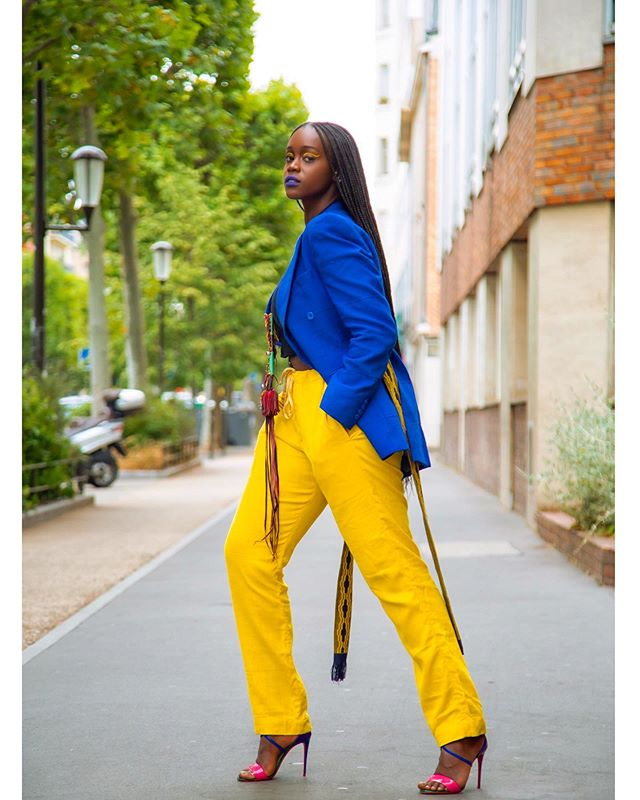 A Queen ||| @thatbubblegirl rocking her AYÉLÉ blazer with our brand new yellow linen trousers ➖ the perfect combo 💛  Photography ➖ @kumiandrew Make-up ➖ @stephanievilley  #Fekhanti #FekhantiFabrics #MadeinSahel