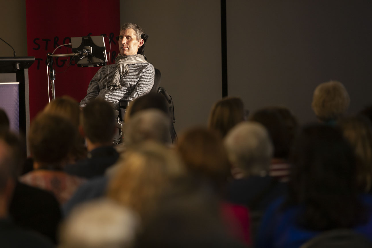 Professor Justin Yerbury presenting at the University of Wollongong, May 2019