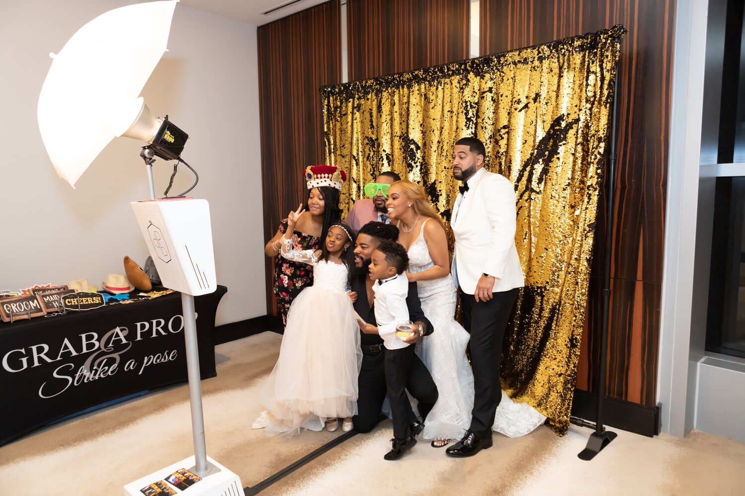 The Benefits of Adding Wedding Photo Booths
