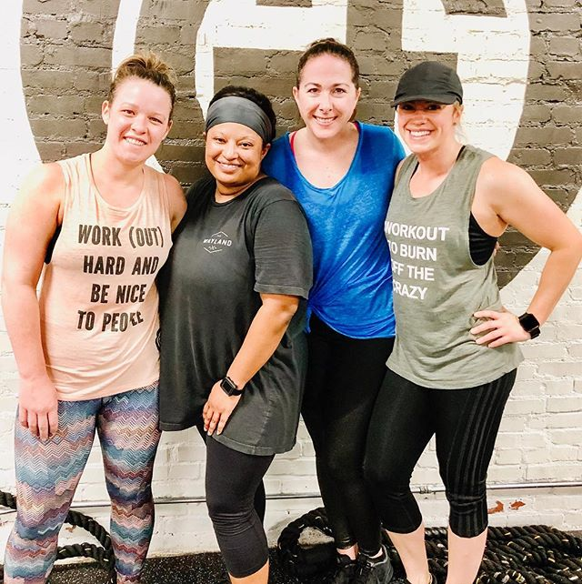 Talk about Monday motivation💥 We couldn't be happier to have our girl back with us this morning! Nadia, GF has not been the same without you. We are all amazed at your strength (inside and out). Way to crush your 5AM workout 👊 #gloverfitness #fitlikeaglover #gloverlover #empoweringwomen #mondaymotivation