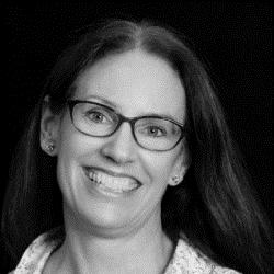 Bronwen Vearncombe    Associate Director,   Healthcare