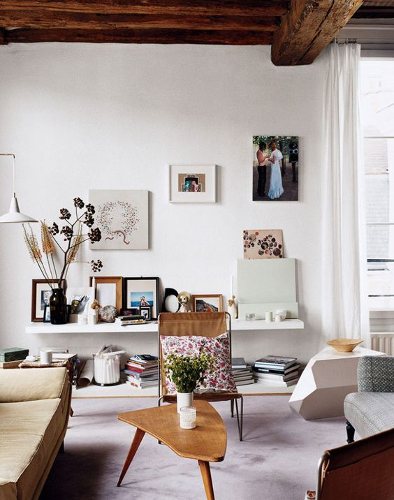 romantic-vibe-low-shelves.jpg