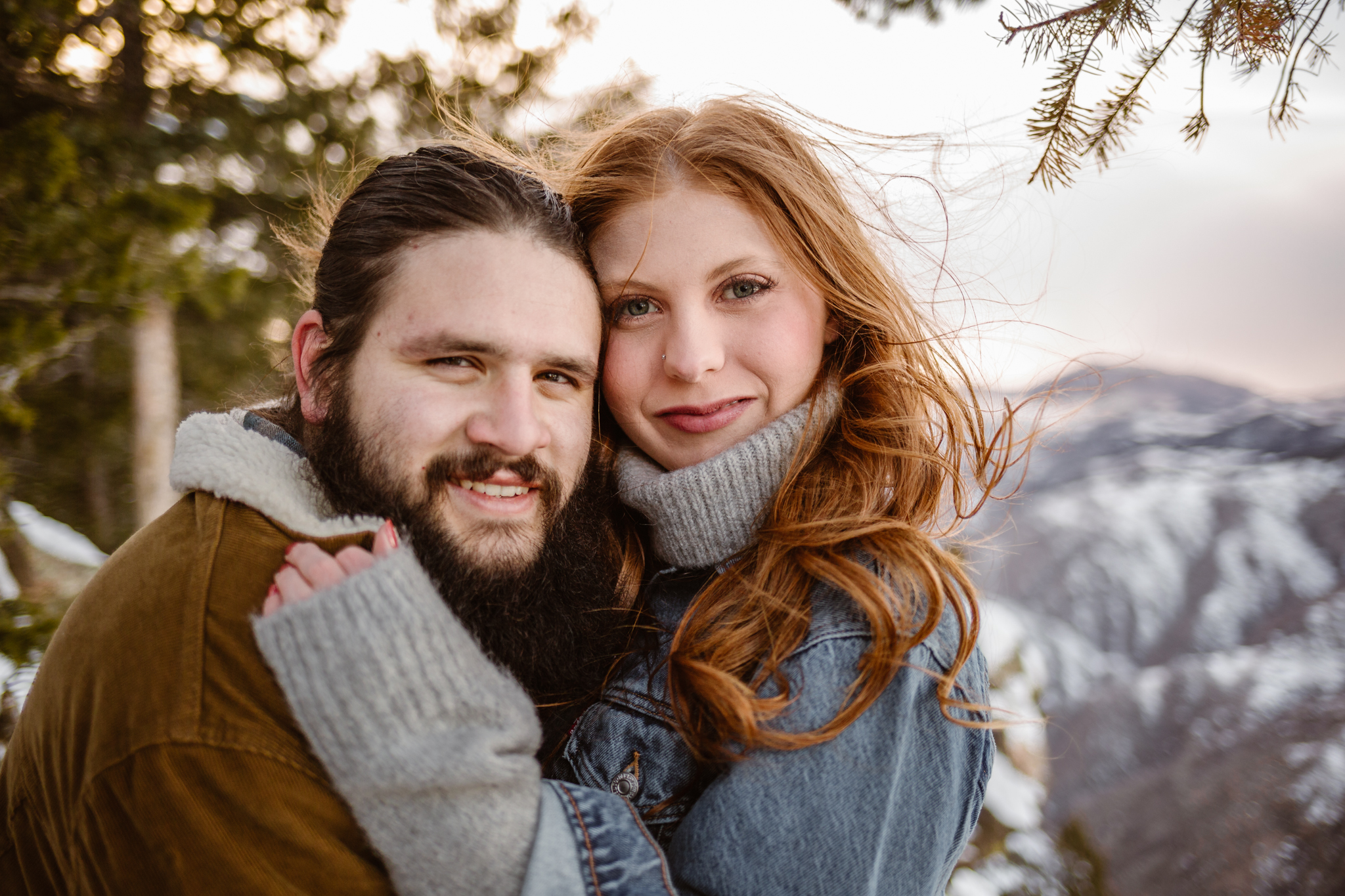 snowy engagement pictuures