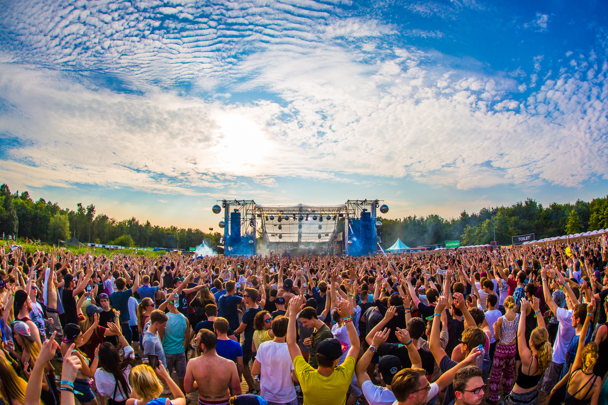 Dominator-Festival-Wallpaper-High-Definition[1].jpg