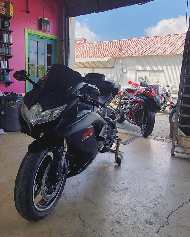 A couple of gsxr's getting some work done this morning