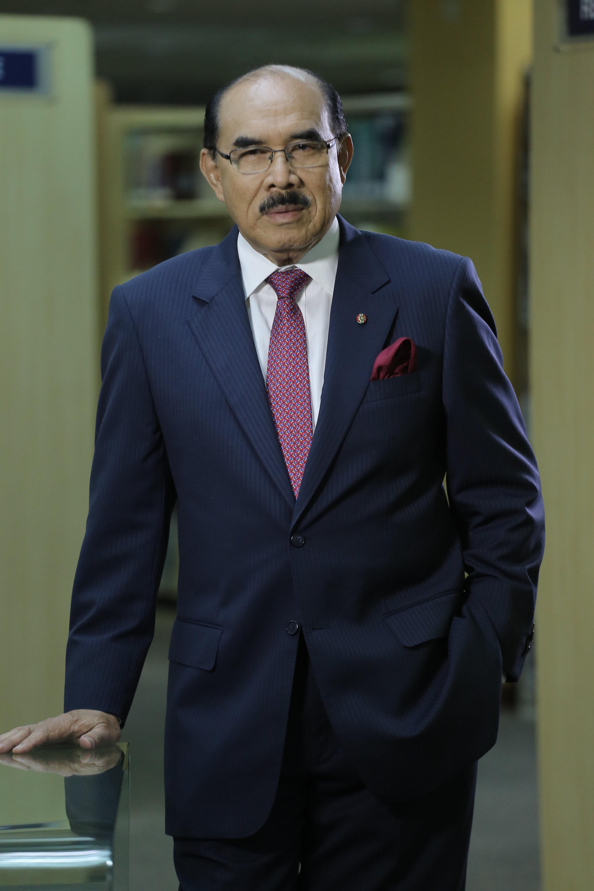 YAB Tan Sri Datuk Mustafa Mansur (Chairman)