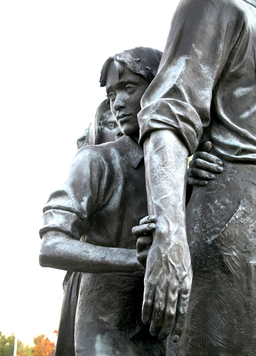 2 Beckstead Memorial Detail-3.JPG