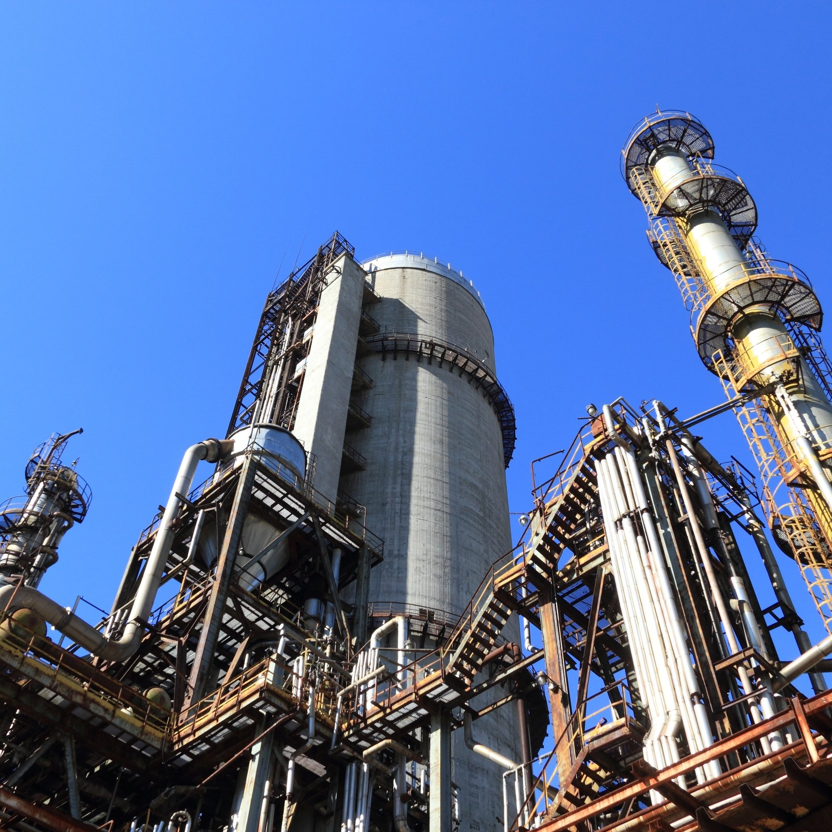 petrochemical picture for trav.jpg