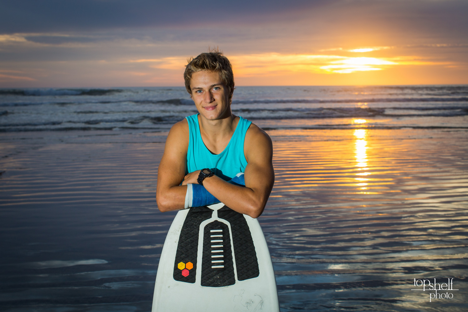 beach-sunset-high-school-senior-portrait-san-diego-top-shelf-photo-1.jpg
