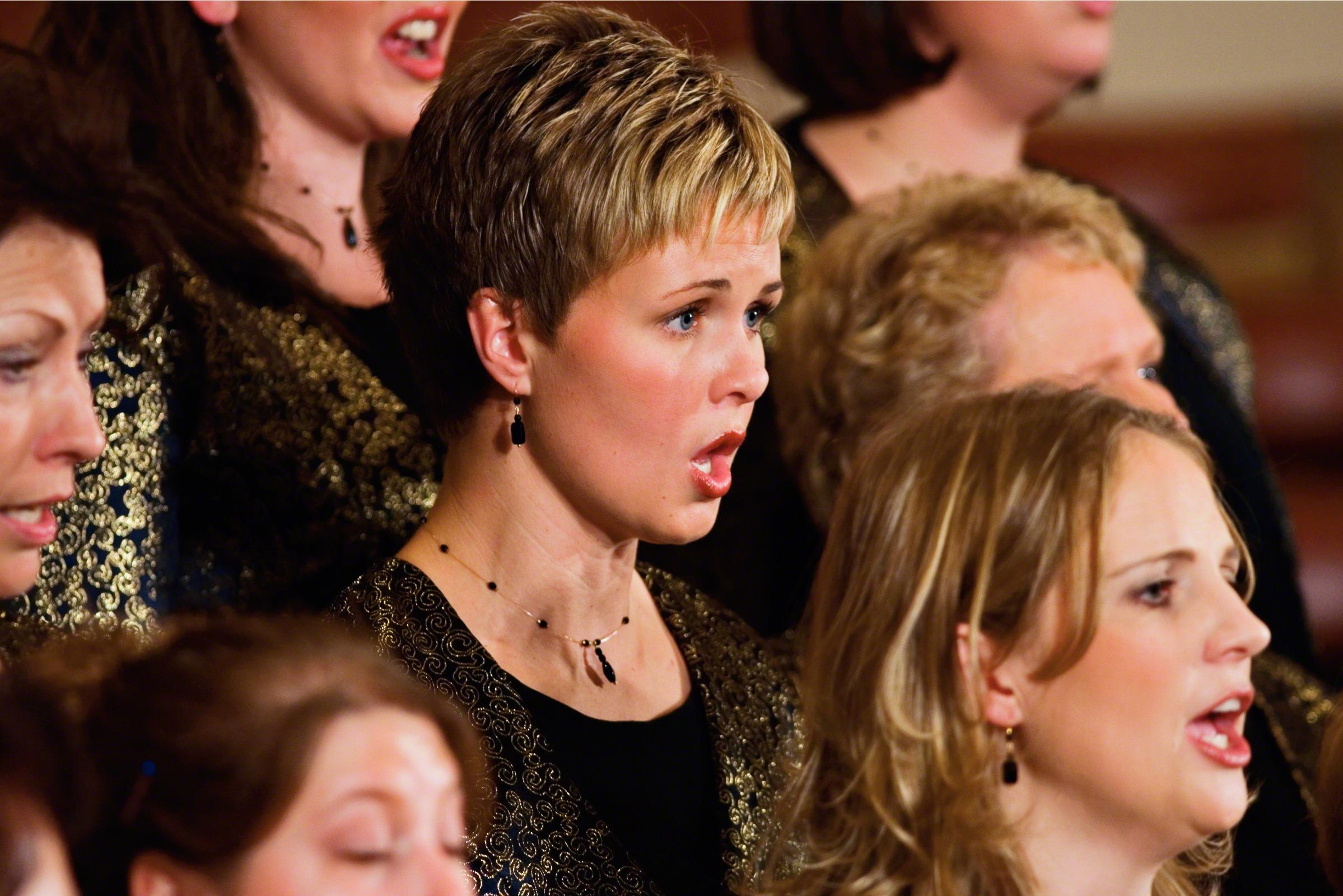 viva-voce-women-singing-246196-wallpaper.jpg