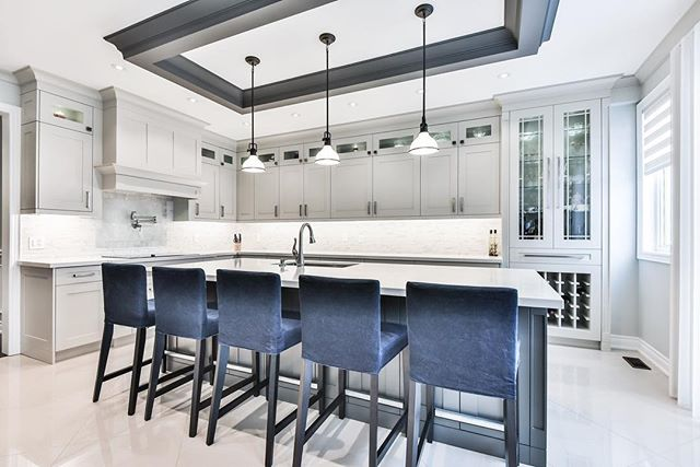Contemporary Kitchen Design. Happy long weekend to our Canadian friends!  Photographed by @studiogta_realestatemedia