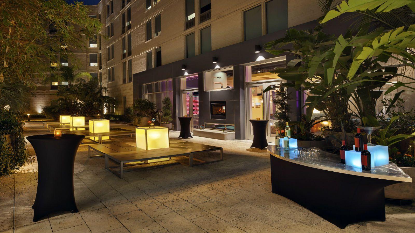 alf3549mf-214185-Backyard-at-night-Med1600x900.jpg