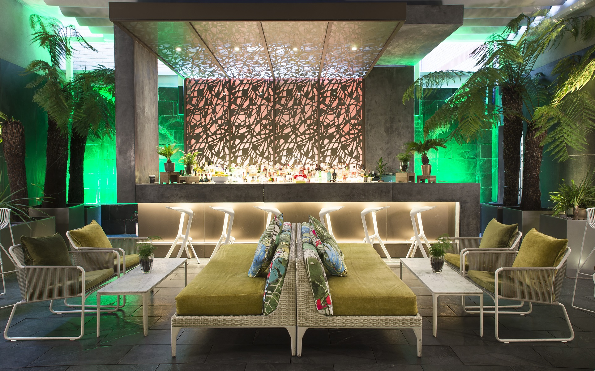 SouthPlaceHotel_SecretGarden_15 RS.jpg