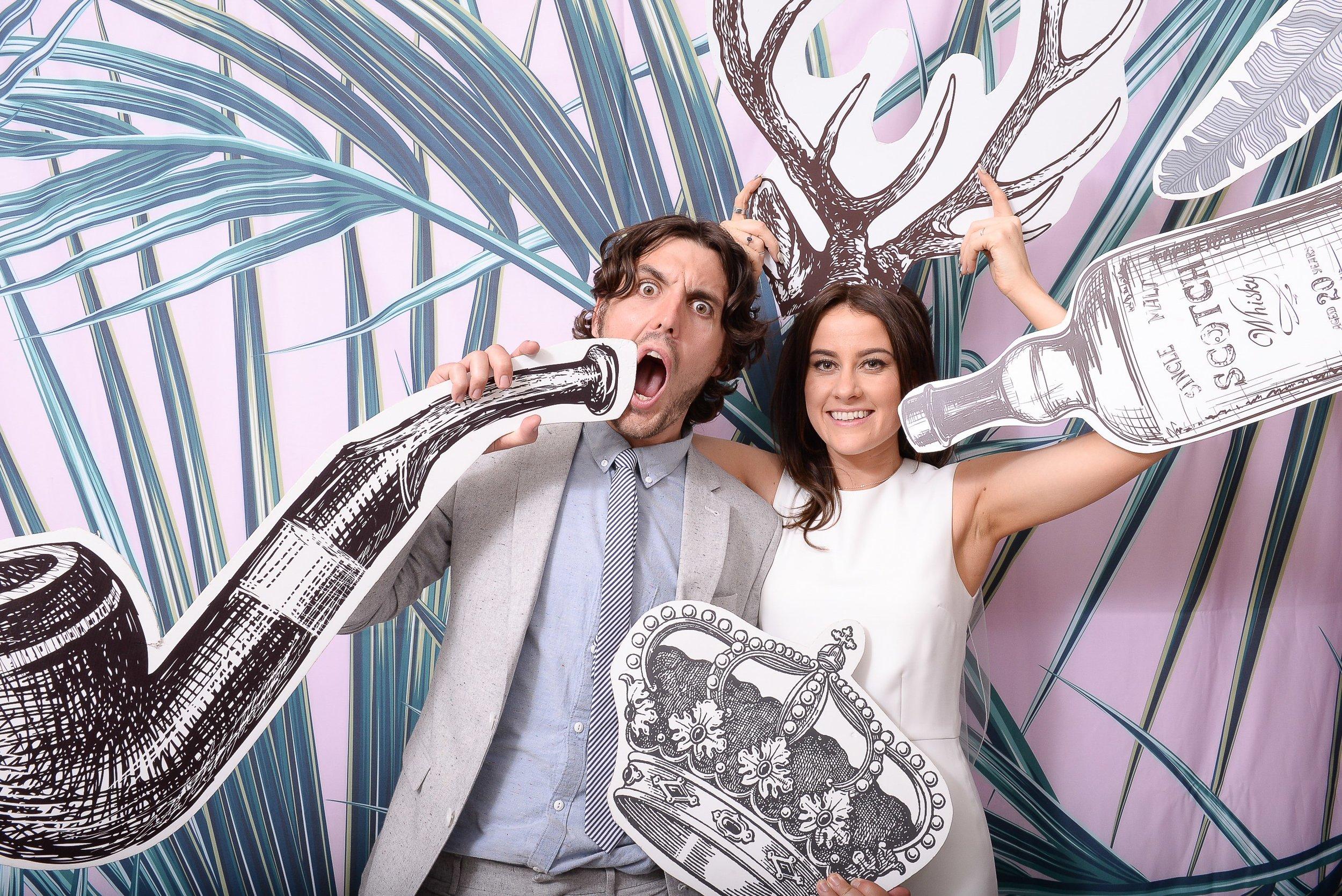 Alternative Photo Booth Wedding Boxless Booths9.jpg