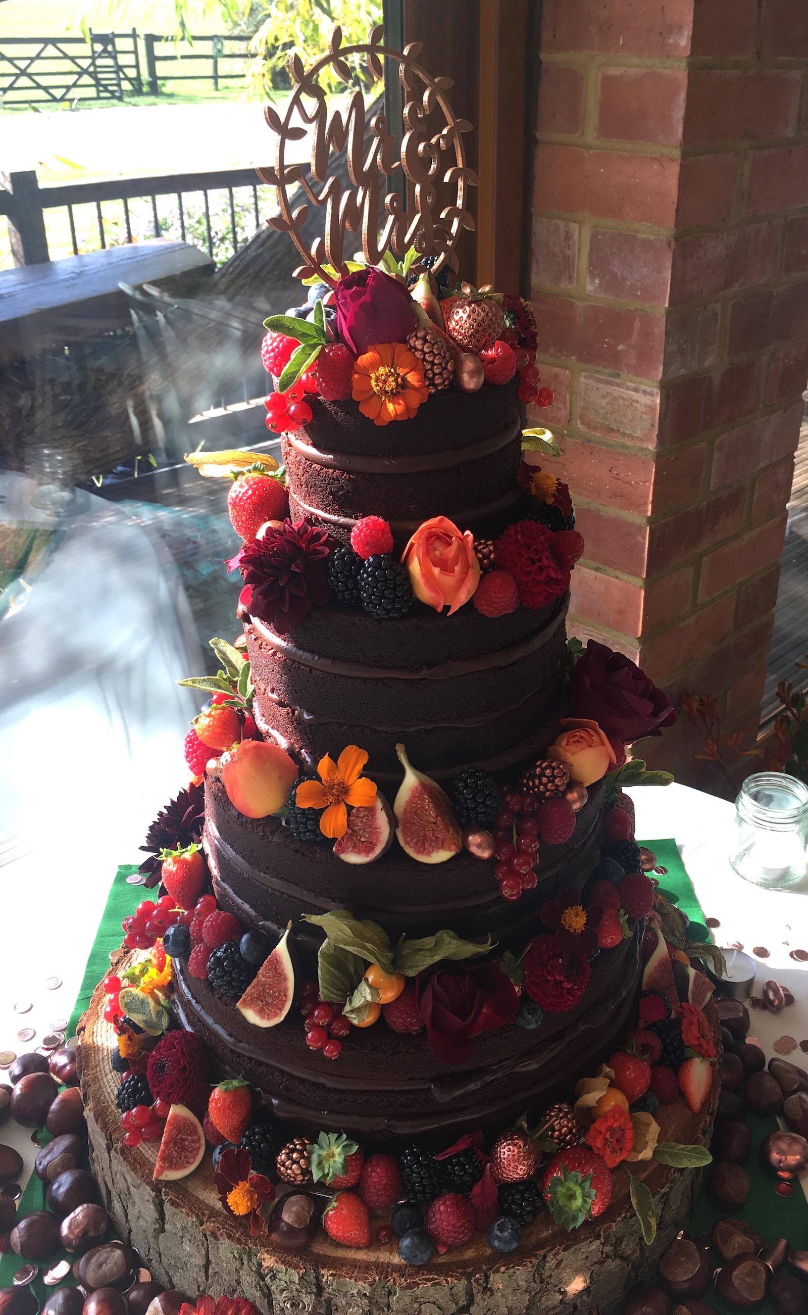 The Glorious Bakery_Cake07 1600x2603.jpg