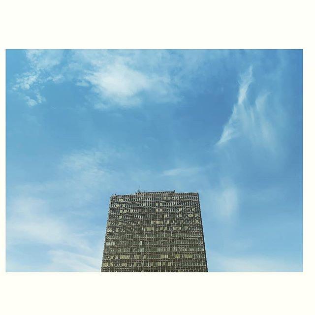 Monumentale Økern 🏢 #feltarbeid #økern #bydelbjerke #byantropologene #nærmiljø #byutvikling #arkitektur #byliv #bydel #oslo #oslove