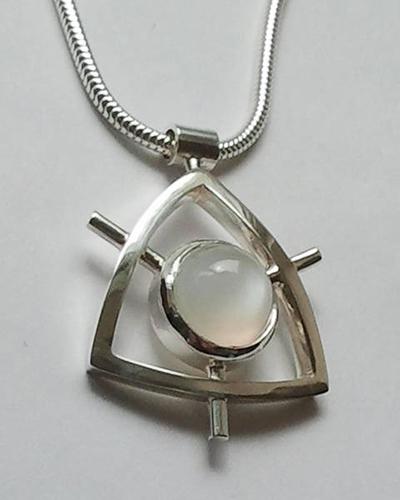 Moonstone Pendent Sterling SIlver.jpg
