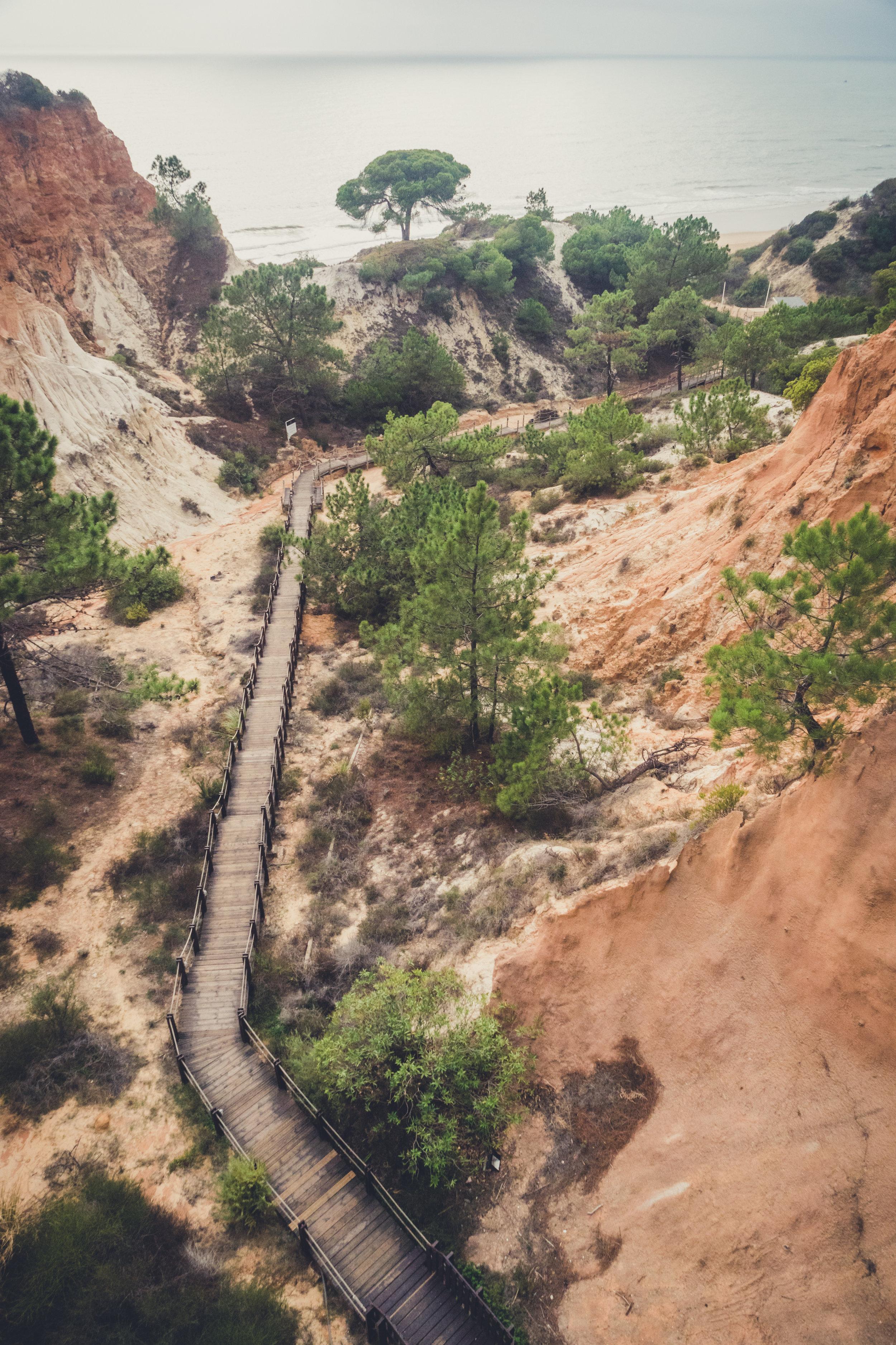 boardwalk to Oine Cliffs Resort.JPG