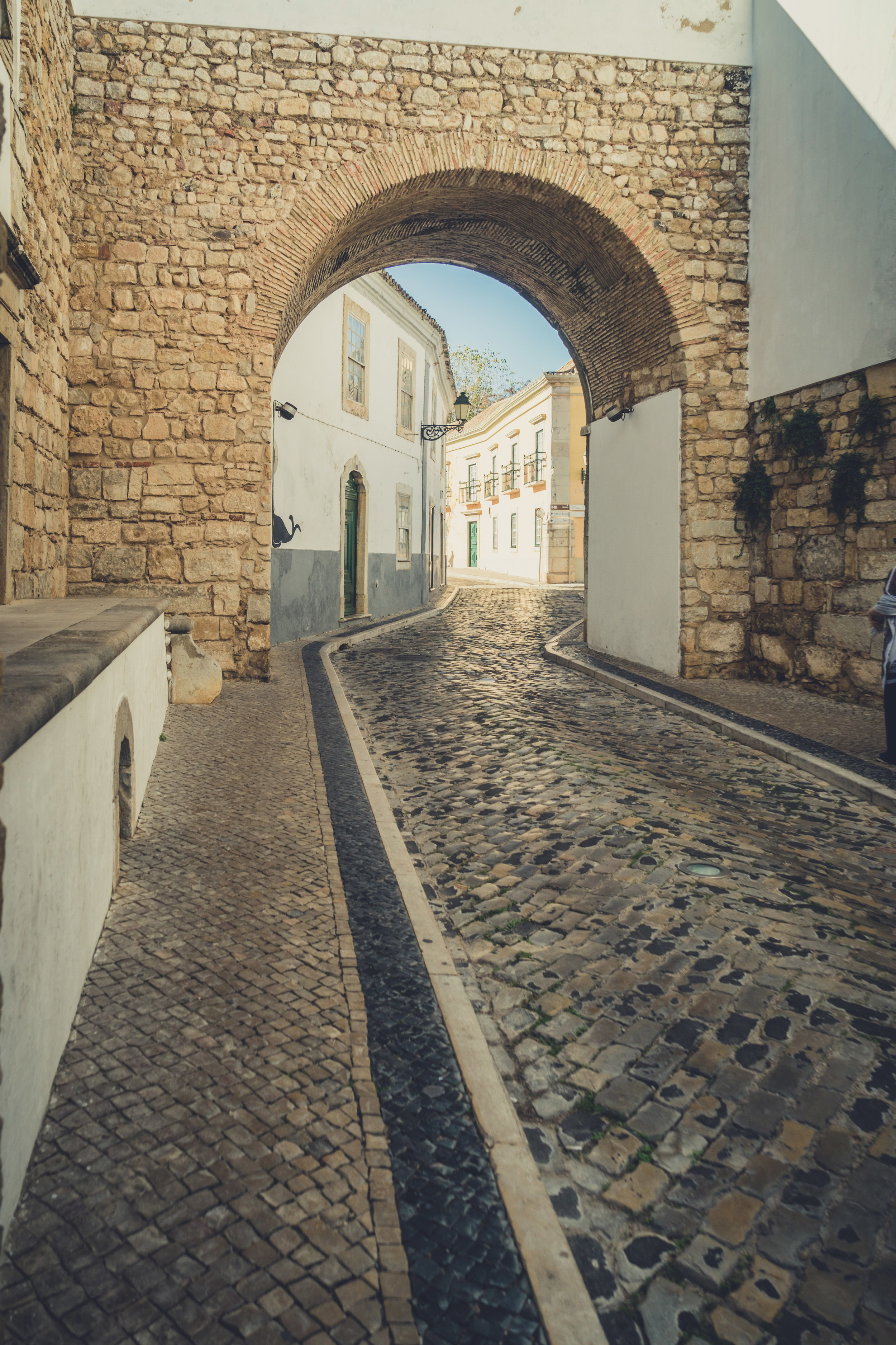Faro Arch way. Faro in the Algarve.jpg