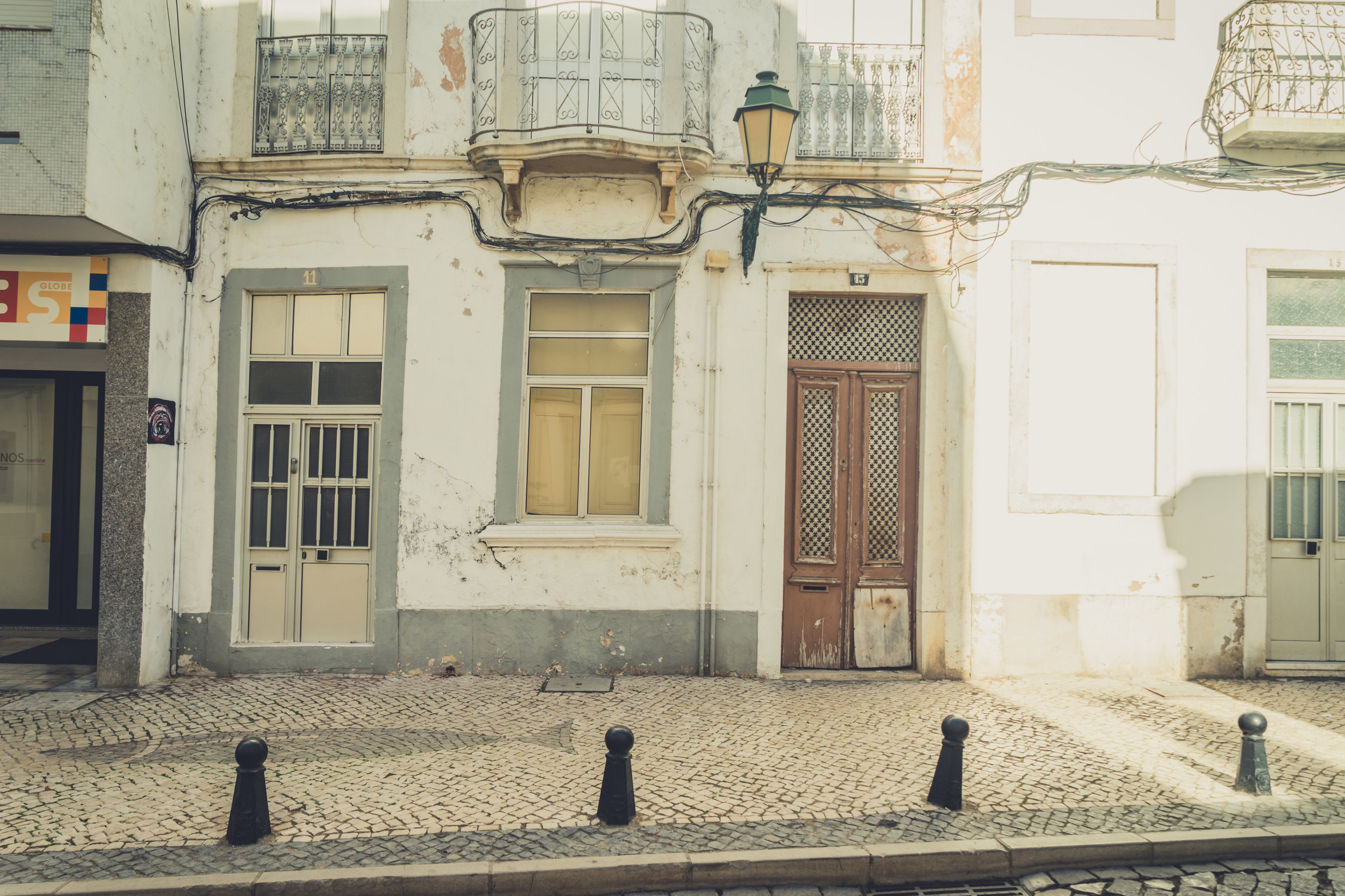 Old house dorrs in Faro. Faro in the Algarve.jpg