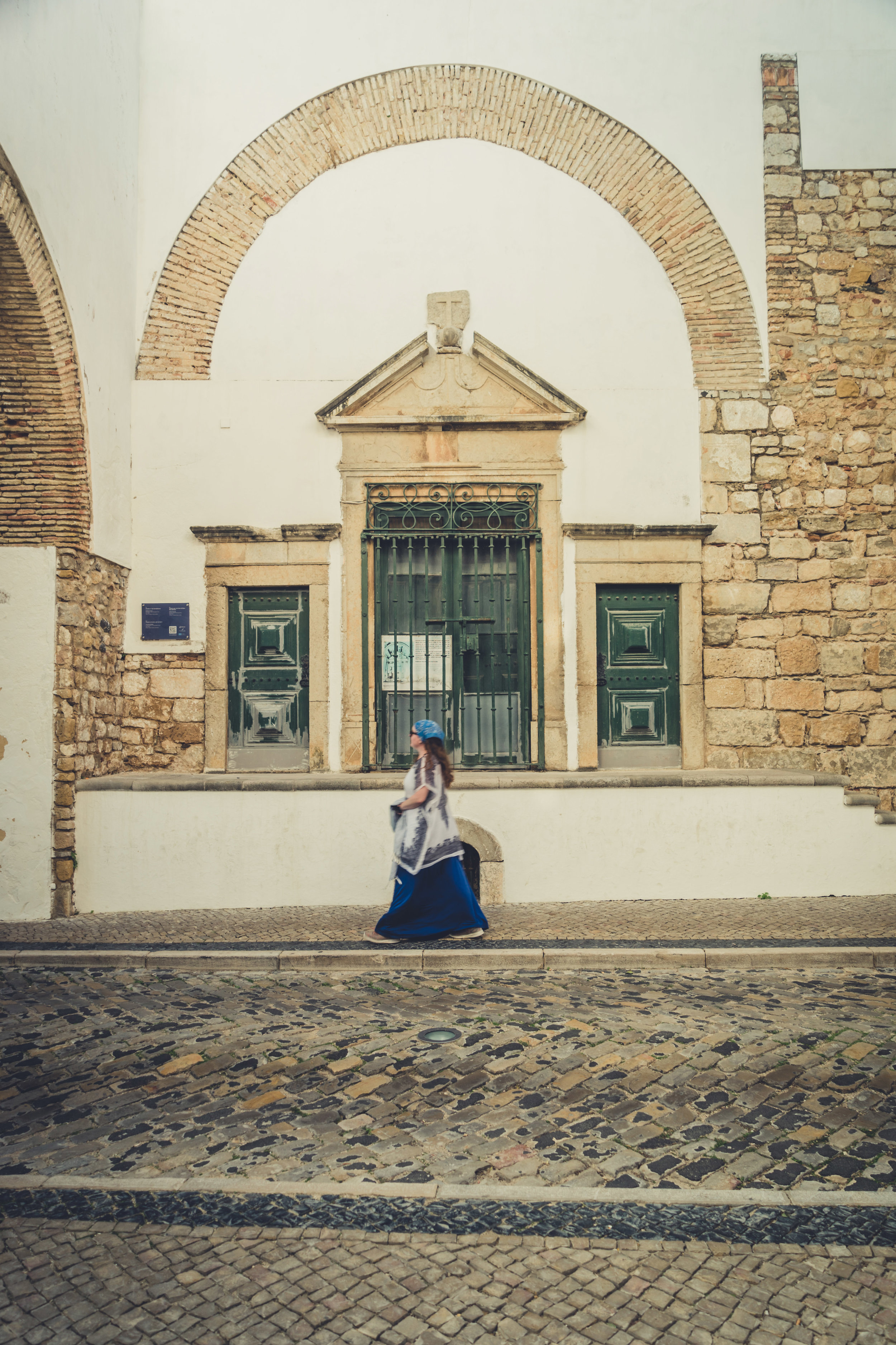 Walking through the streets of Faro. Faro in the Algarve. Old town Faro..jpg