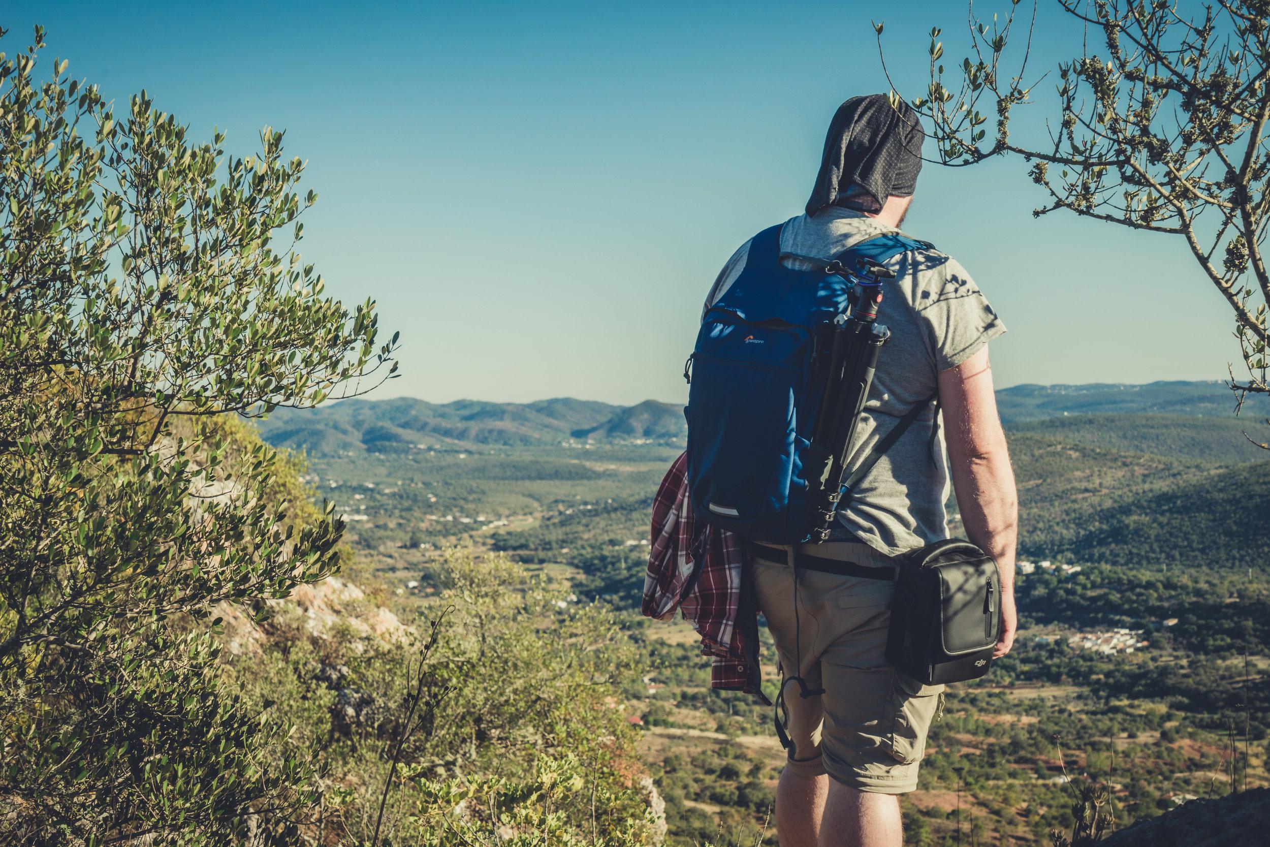 Hiking. algarve. portugal. talbe mountain. walking in the mountains. Rocha da Pena.. tree, view. green. lowepro..jpg
