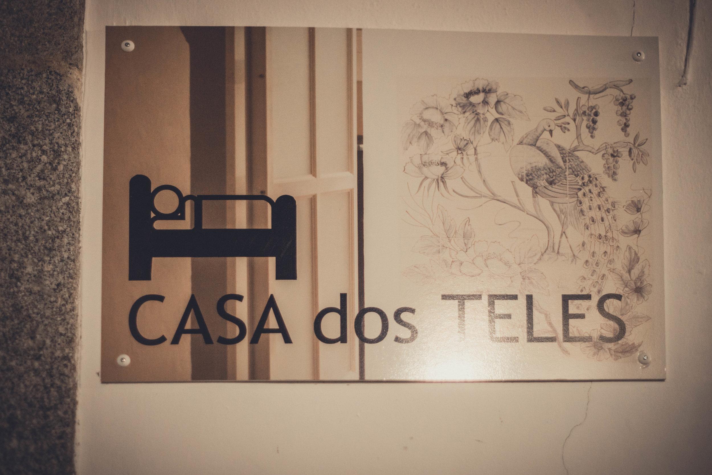 Casa dos Teles. Guest house.Evora. Roman Ruins. Portugal. Alentejo. Piliers. Roman city. ancient roman town. Blue sky. travel. adventure. history. historical. sign.jpg