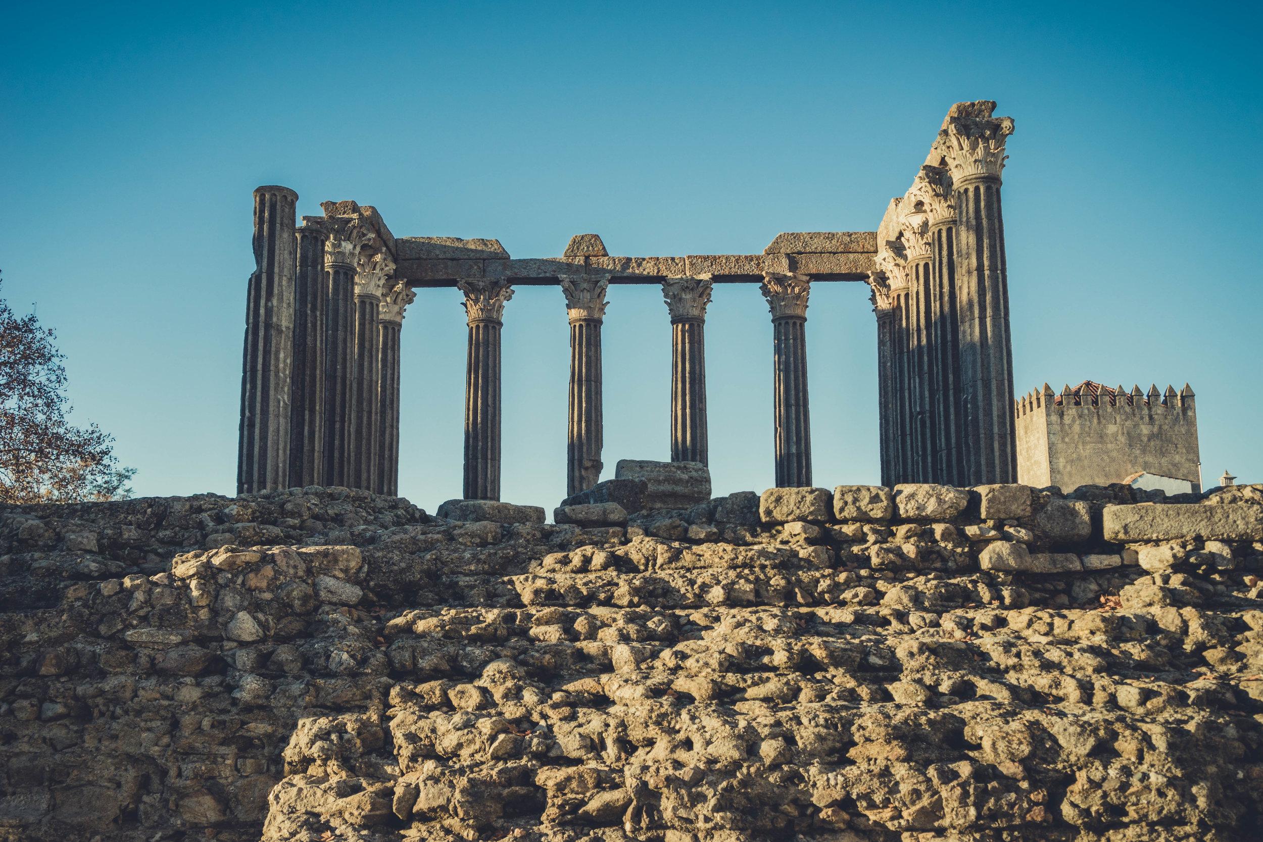 Evora. Roman Ruins. Portugal. Alentejo. Piliers. Roman city. ancient roman town. Blue sky. travel. adventure. history. historical. wine. architecture (2).jpg