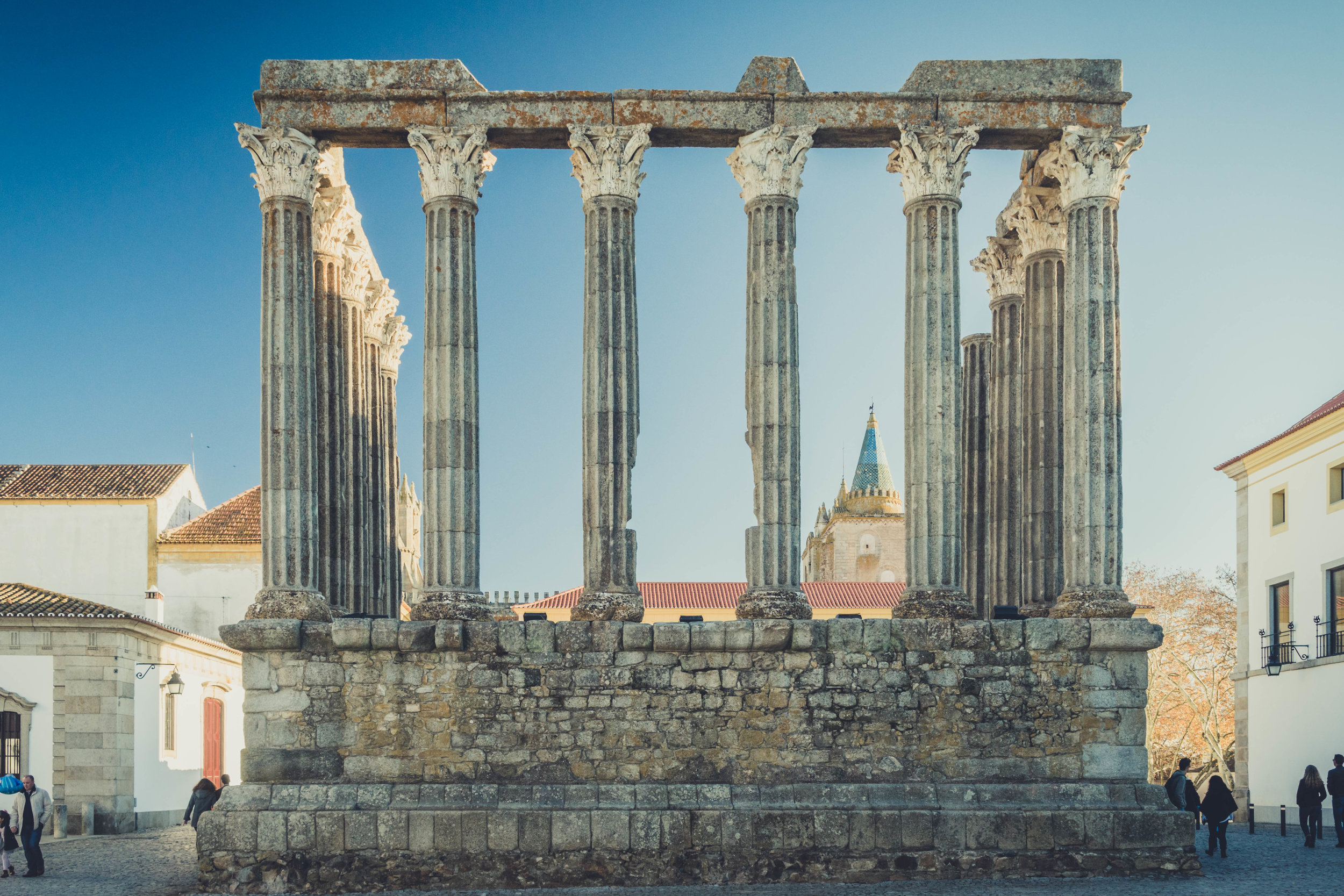 Evora. Roman Ruins. Portugal. Alentejo. Piliers. Roman city. ancient roman town. Blue sky. travel. adventure. history. historical. wine. fun times.jpg
