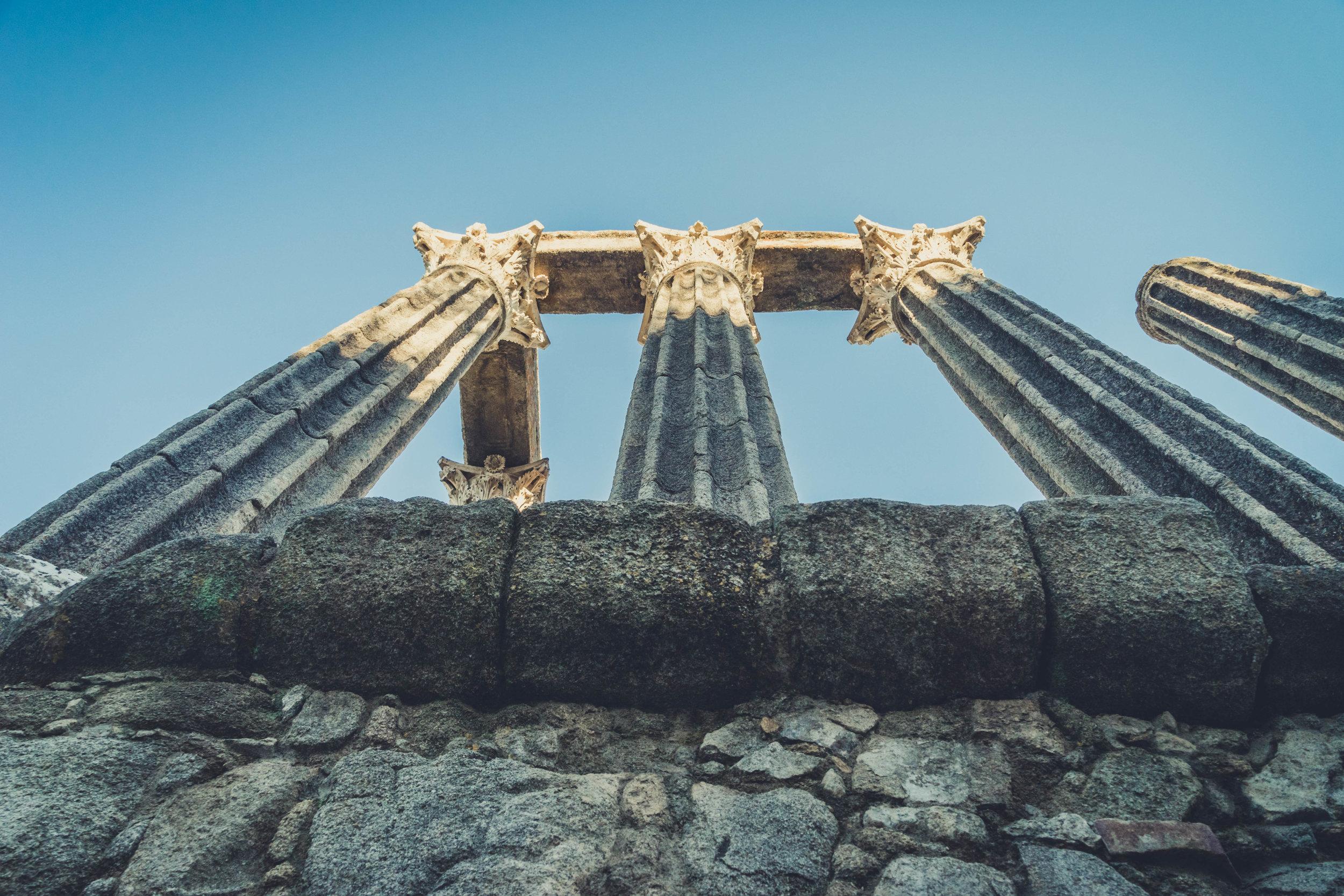 Evora. Roman Ruins. Portugal. Alentejo. Piliers. Roman city. ancient roman town. Blue sky. travel. adventure. history. historical. wine..jpg