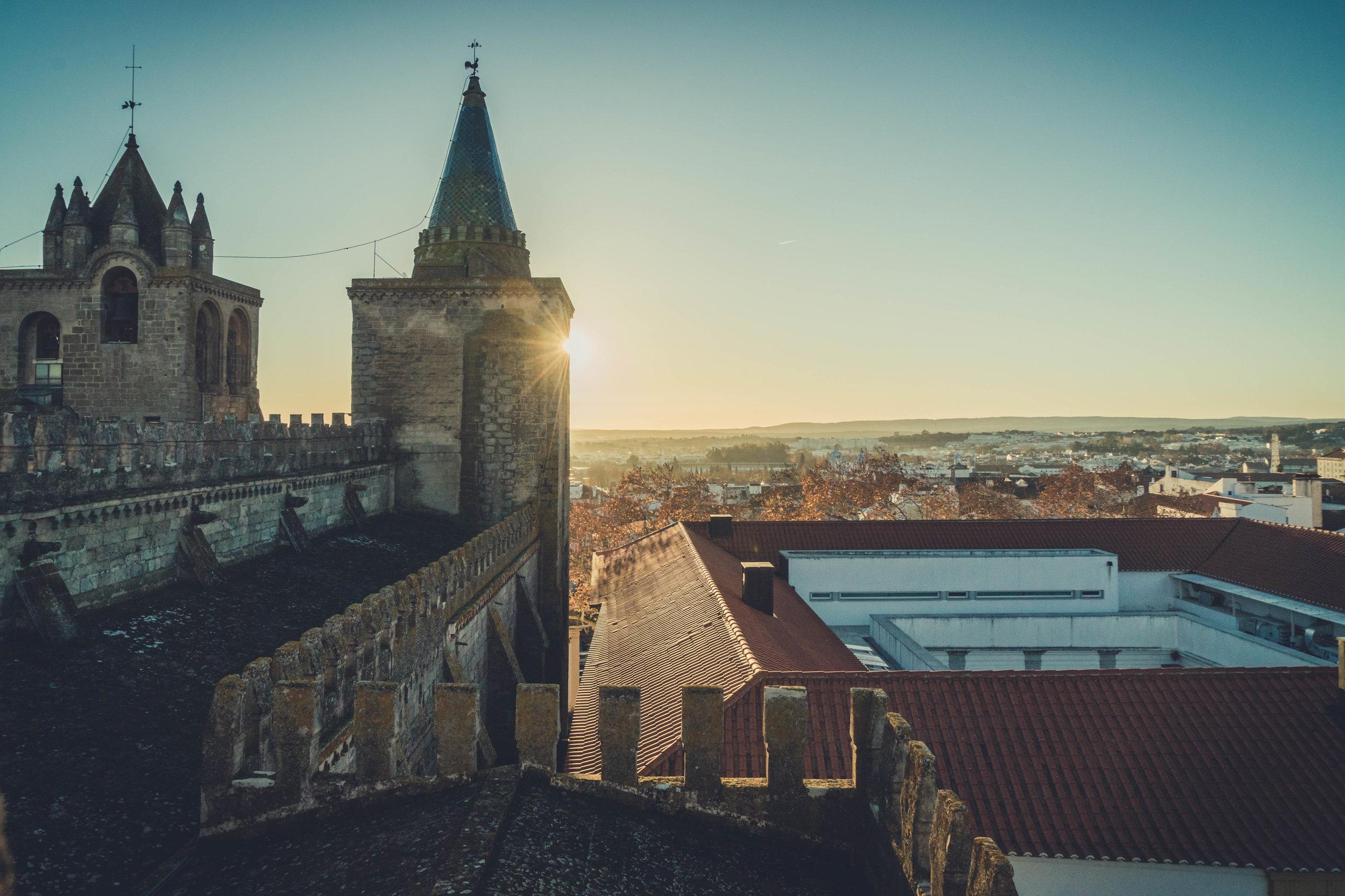 Evora. Roman Ruins. Portugal. Alentejo. Piliers. Roman city. ancient roman town. Blue sky. travel. adventure. history. historical. wine. architecture. sunlight. sunset.jpg