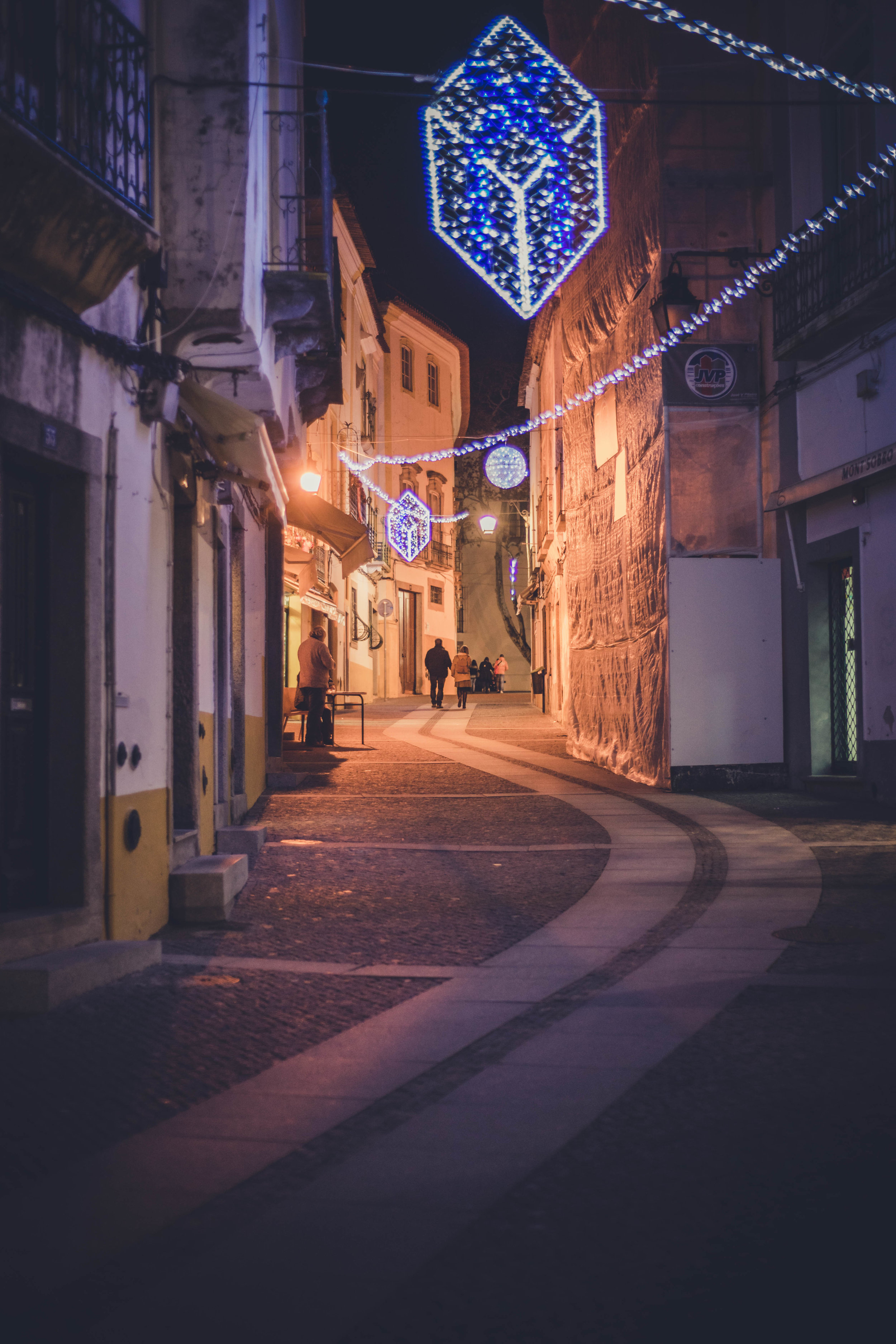 Evora. Roman Ruins. Portugal. Alentejo. Piliers. Roman city. ancient roman town. Blue sky. travel. adventure. history. historical. wine. architecture. side street. night time street.jpg