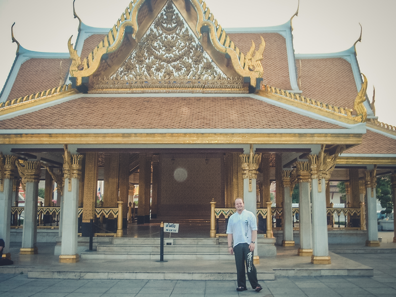 hindu-temple-kl_backpacking. south east asia. travel. young. thailand. cambodia. malaysia. couple. trip..jpg