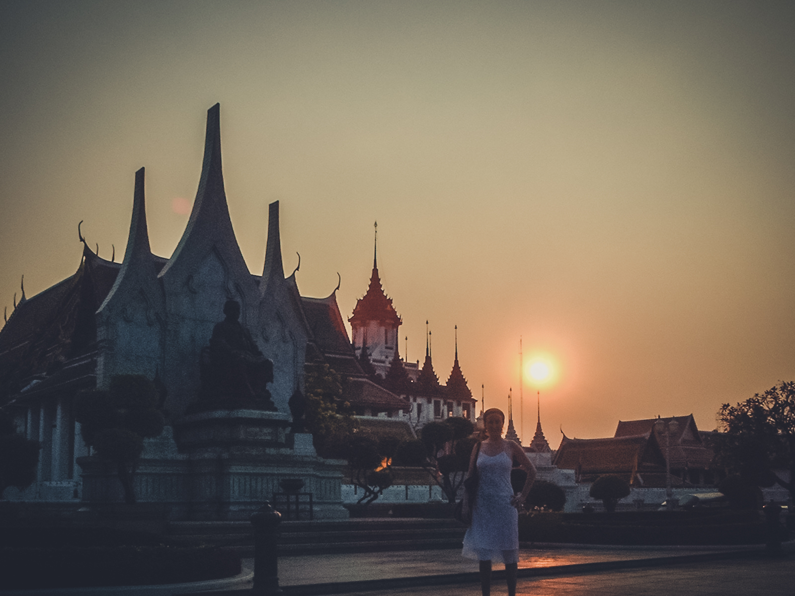 ruins_backpacking. south east asia. travel. young. thailand. cambodia. malaysia. couple. trip. sunset over the palace.jpg
