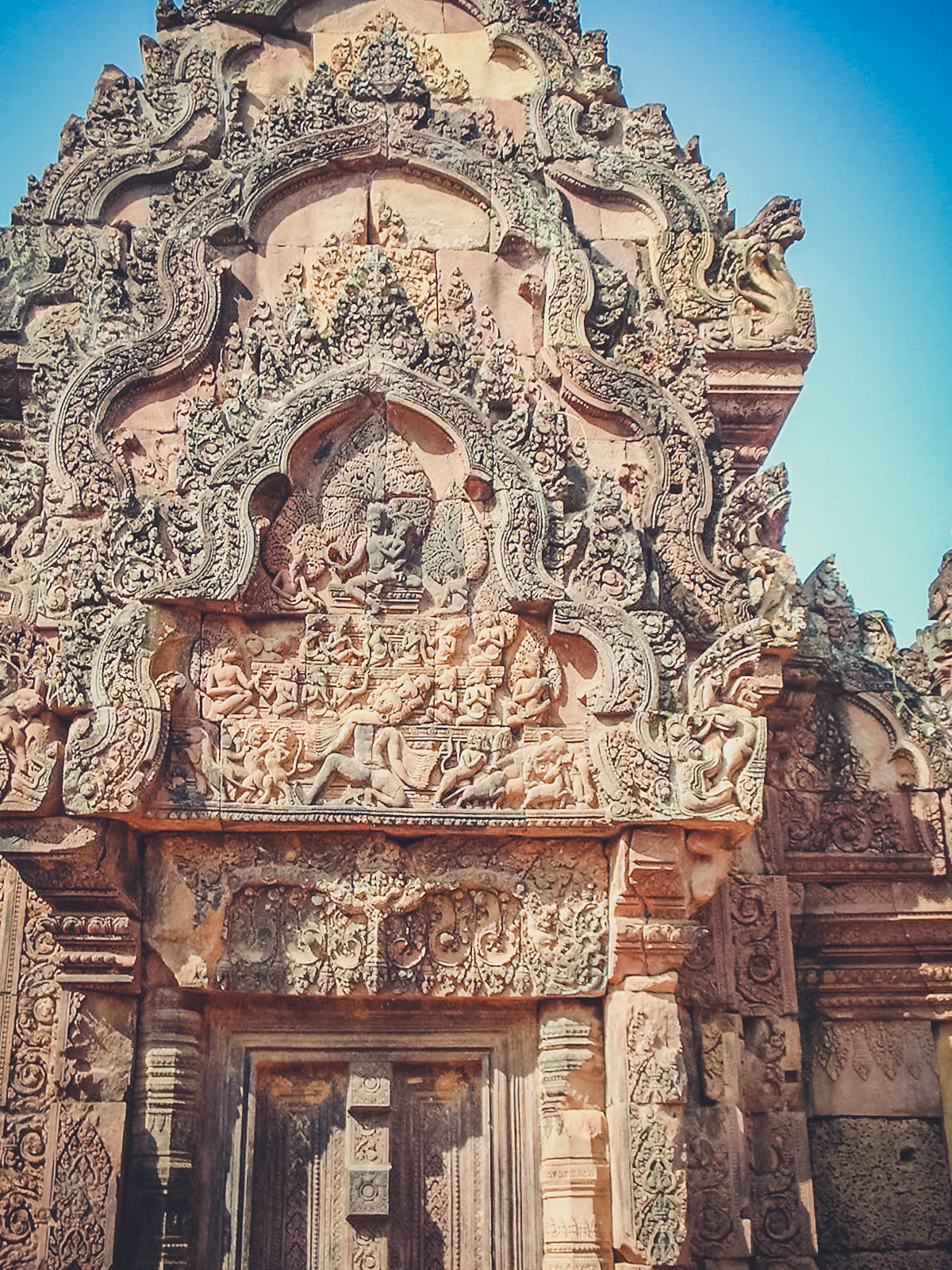 khmer-carvings-angkor_backpacking. south east asia. travel. young. thailand. cambodia. malaysia. couple. trip..jpg
