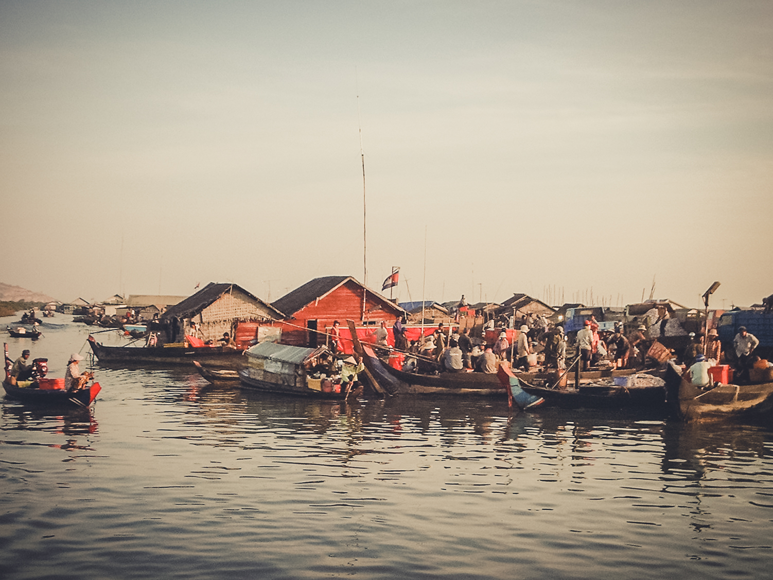 floating-villages-on-the-mekong_1backpacking. south east asia. travel. young. thailand. cambodia. malaysia. couple. trip..jpg